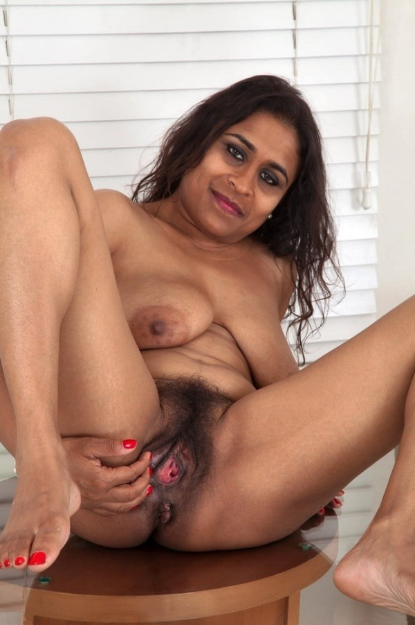 indian sexy mature aunties pics - 48