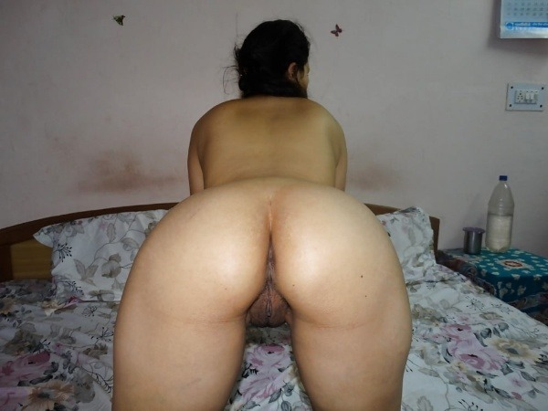 jerk off to these sexy bhabhi nude pics - 49