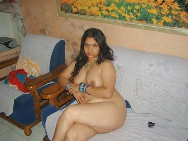 jerk off to these sexy bhabhi nude pics - 6
