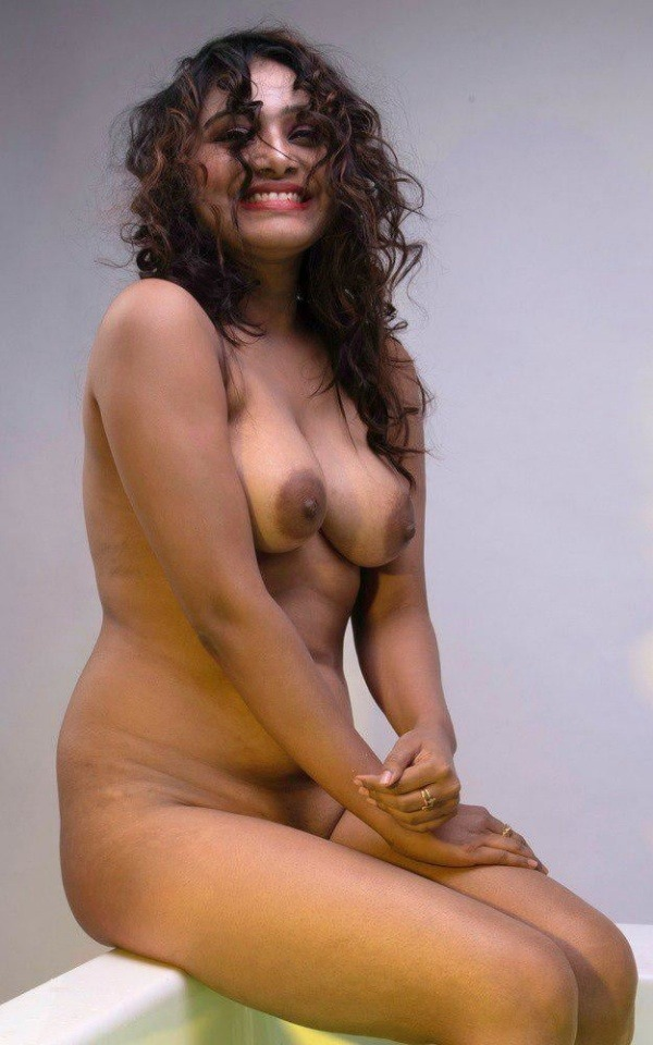 lovely gallery of desi nude bhabhi photo - 15