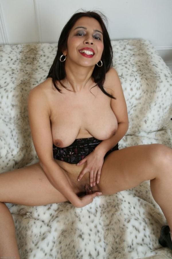 lovely gallery of desi nude bhabhi photo - 18