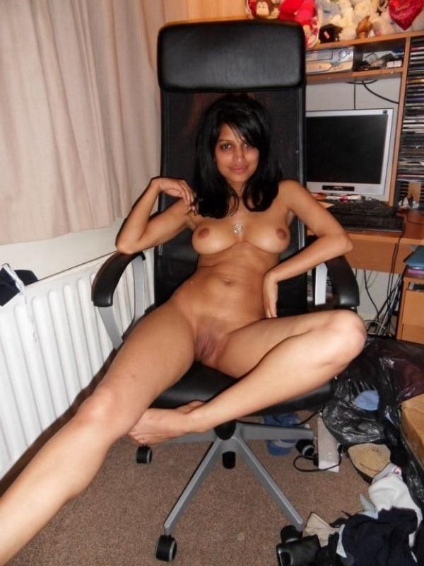 lovely gallery of desi nude bhabhi photo - 42