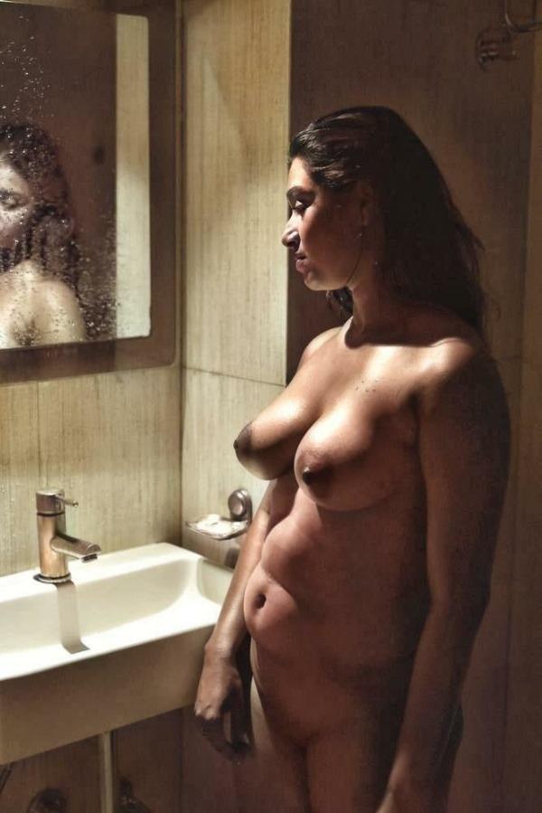 lovely gallery of desi nude bhabhi photo - 50