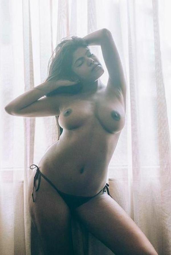 lovely gallery of desi nude bhabhi photo - 9