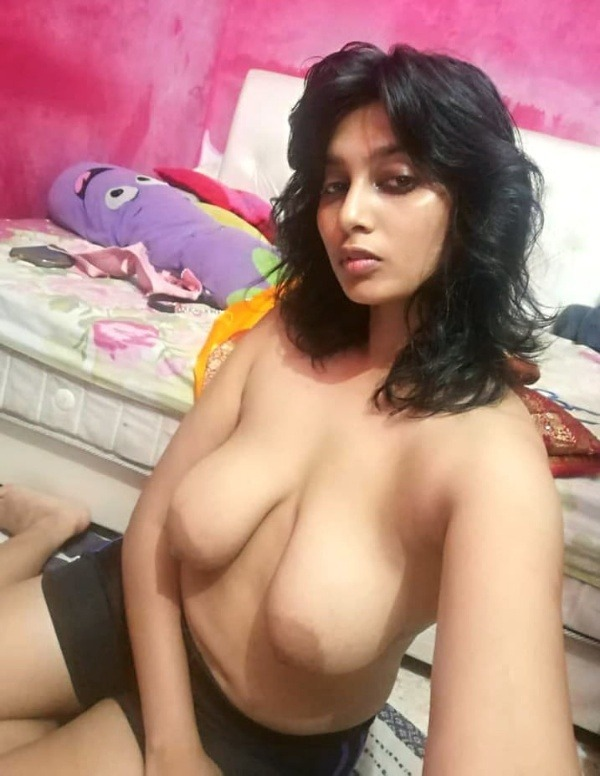 lovely great boobs pics of desi babes - 48
