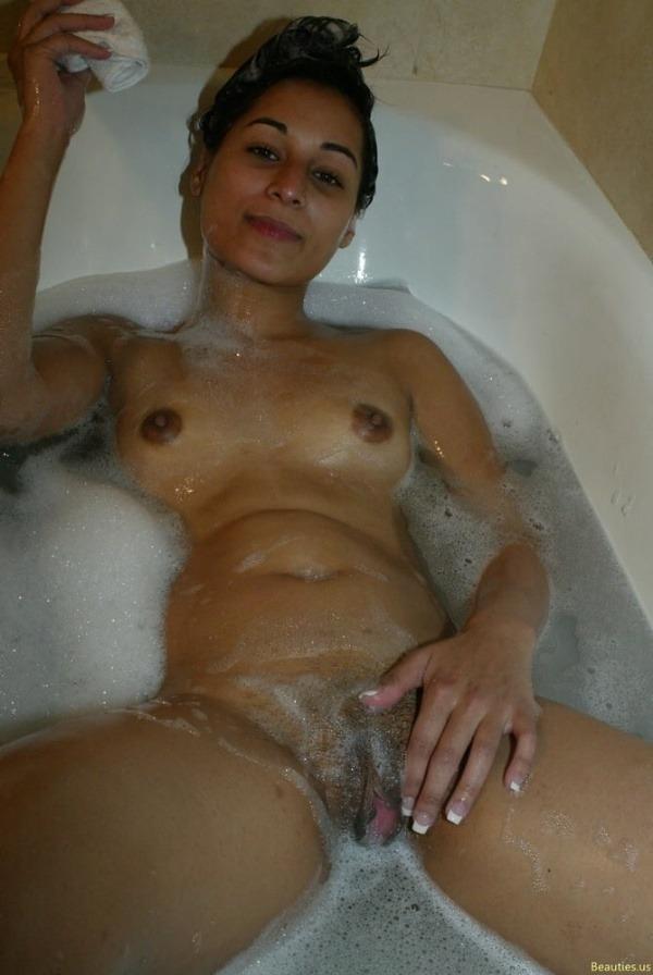 lovely indian naked girls pics to jerk off - 10