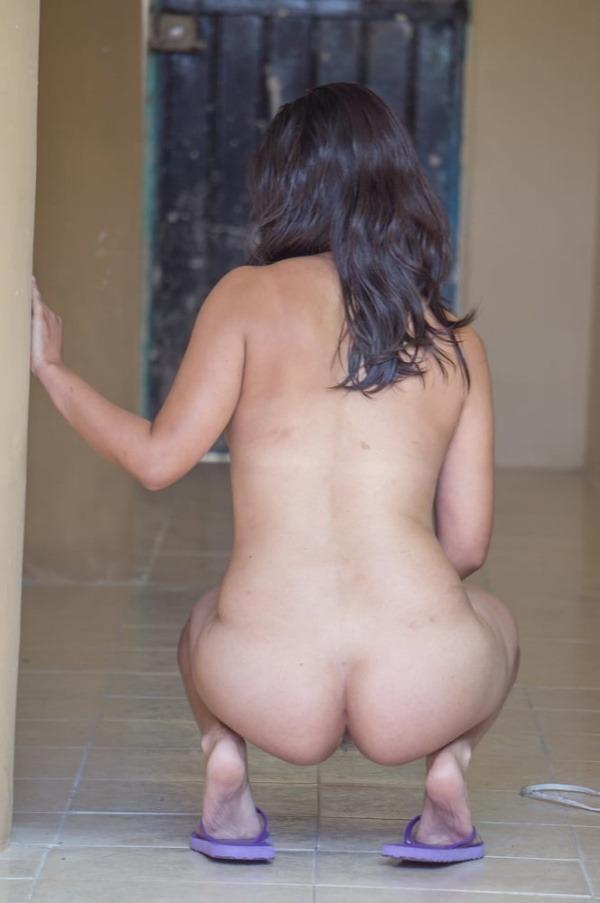 lovely indian naked girls pics to jerk off - 11
