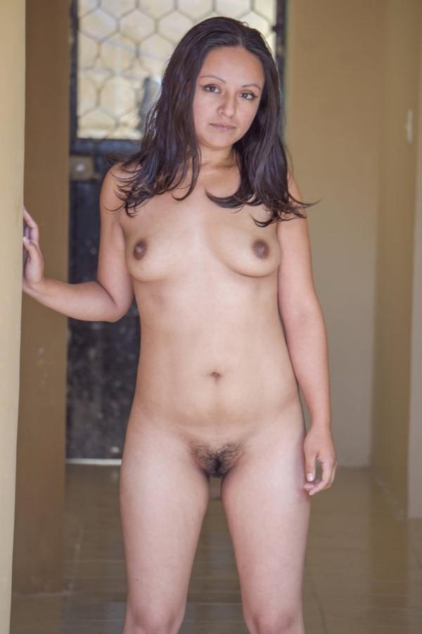 lovely indian naked girls pics to jerk off - 9