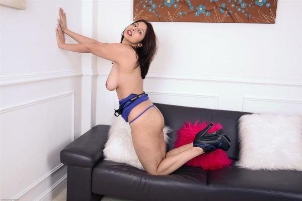 lovely sexy bhabhi pics big boobs pussy ass - 12