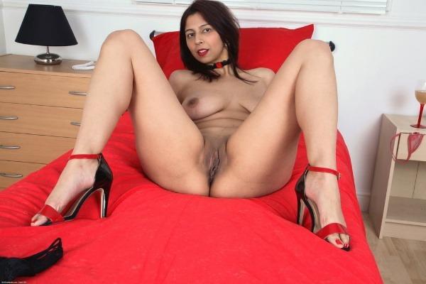 lovely sexy bhabhi pics big boobs pussy ass - 29