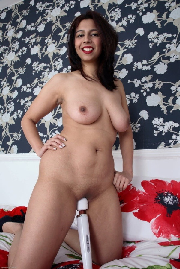 lovely sexy bhabhi pics big boobs pussy ass - 9