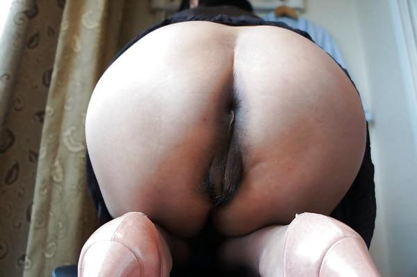 mind blowing mature desi aunty nude photos - 23