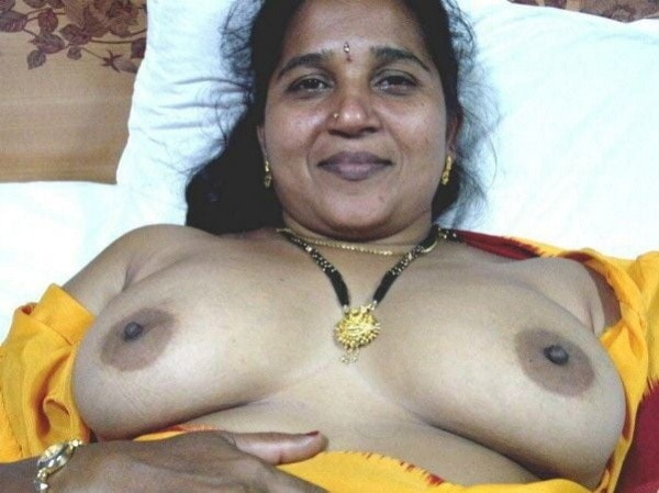 most viewed sexy mallu aunty nude images - 1