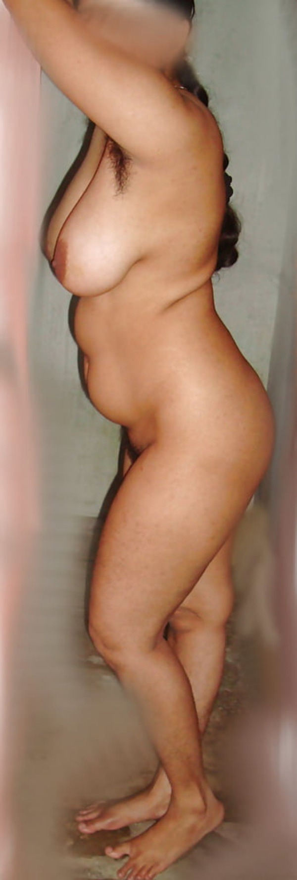 provocative sexy desi aunty nude pics - 15