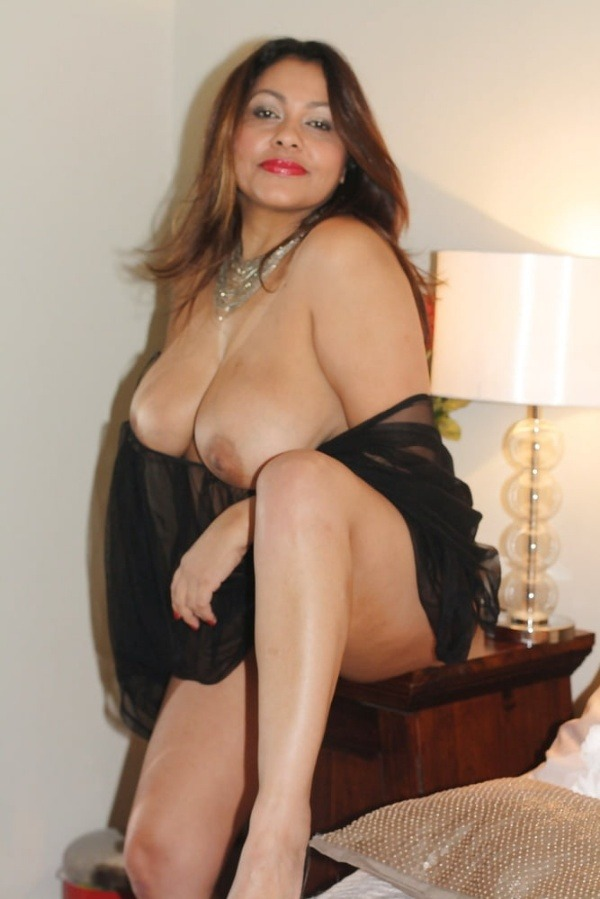 provocative sexy desi aunty nude pics - 19