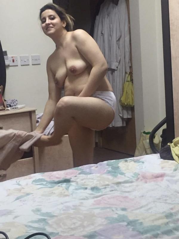 provocative sexy desi aunty nude pics - 20