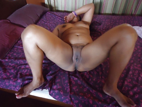 provocative sexy desi aunty nude pics - 31