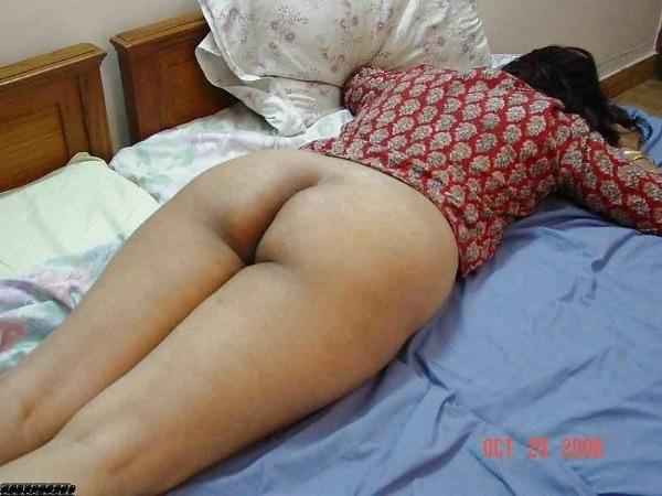 provocative sexy desi aunty nude pics - 44