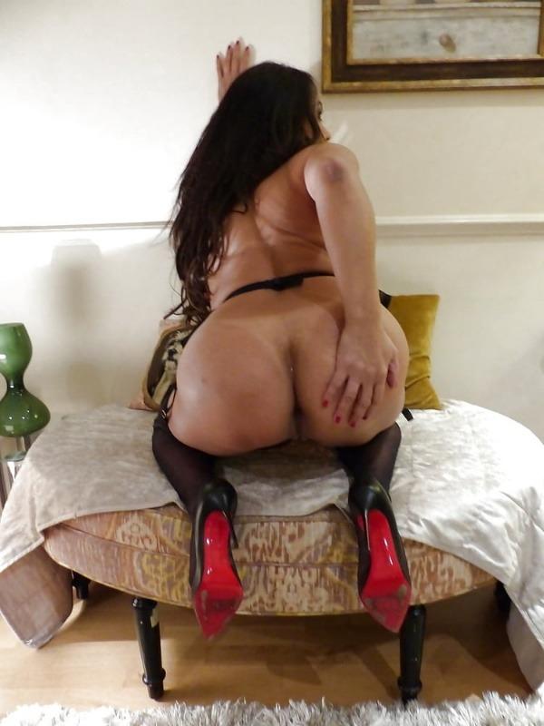 provocative sexy desi aunty nude pics - 48