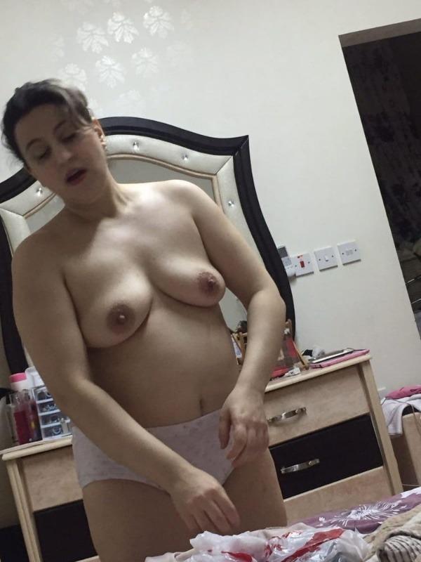 provocative sexy desi aunty nude pics - 50