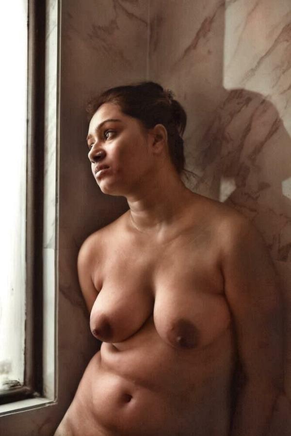 sensual desi bhabhi nude photo goes viral - 11