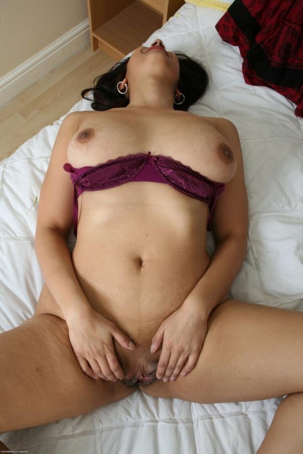 sensual desi bhabhi nude photo goes viral - 21
