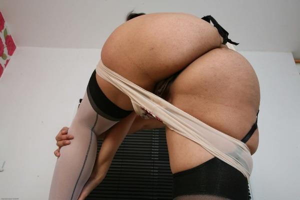 sensual desi bhabhi nude photo goes viral - 6