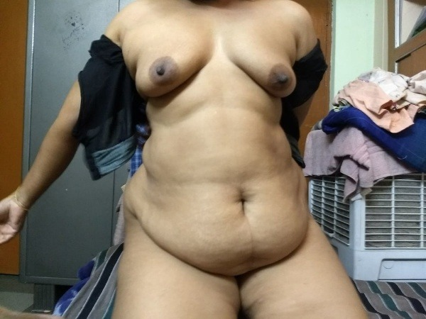 sensual mallu aunty nude photos to help cum - 1