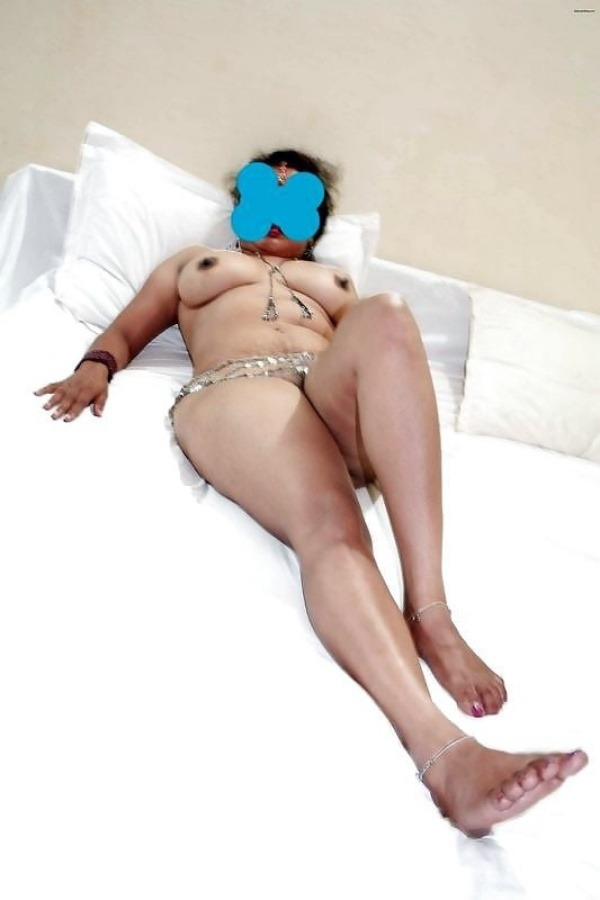 sexy desi aunty nude photos leaked by lover - 22