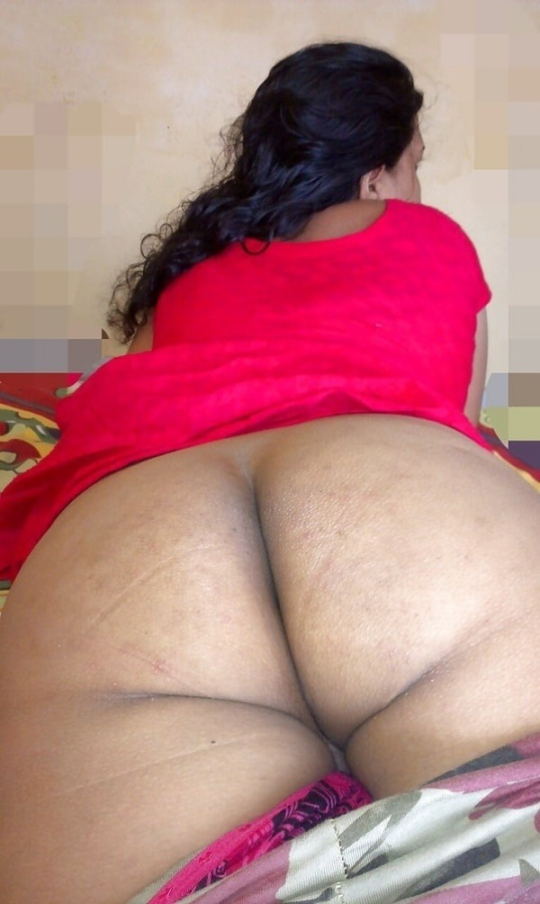 sexy desi aunty nude photos leaked by lover - 25