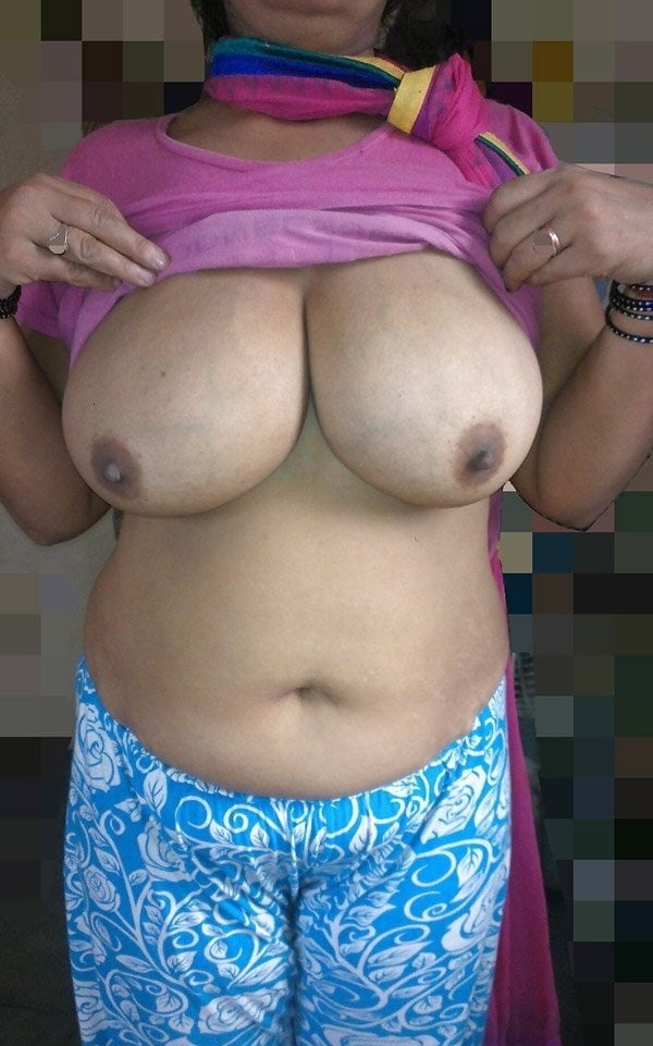sexy desi aunty nude photos leaked by lover - 37