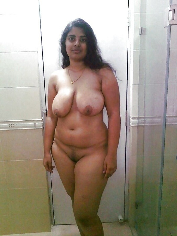 sexy desi aunty nude photos leaked by lover - 45