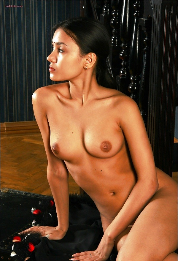 sexy indian nude women pics to tease cock - 22
