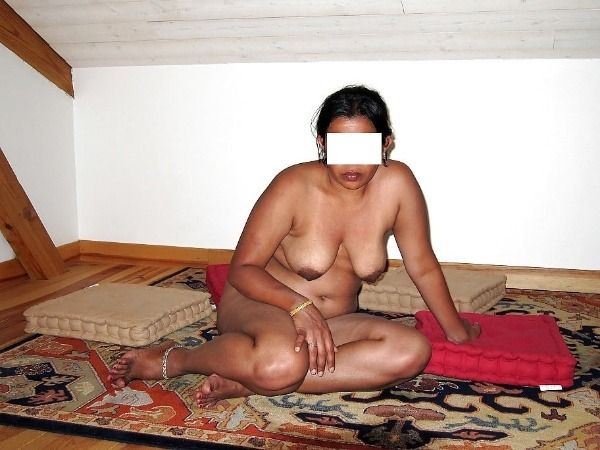 sexy tamil aunty nude images - 37
