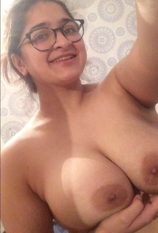 unload your cum with desi aunty big boobs pic - 25