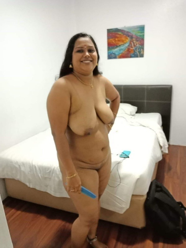 unload your cum with desi aunty big boobs pic - 27