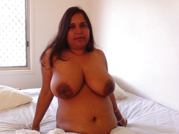 unload your cum with desi aunty big boobs pic - 30