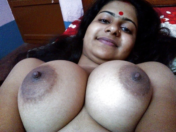 unload your cum with desi aunty big boobs pic - 4