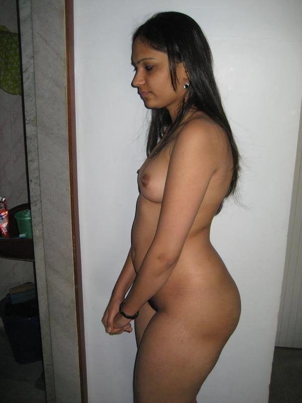 alluring indian bhabhi nude photo boobs ass - 15