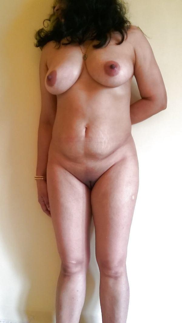 alluring indian bhabhi nude photo boobs ass - 16