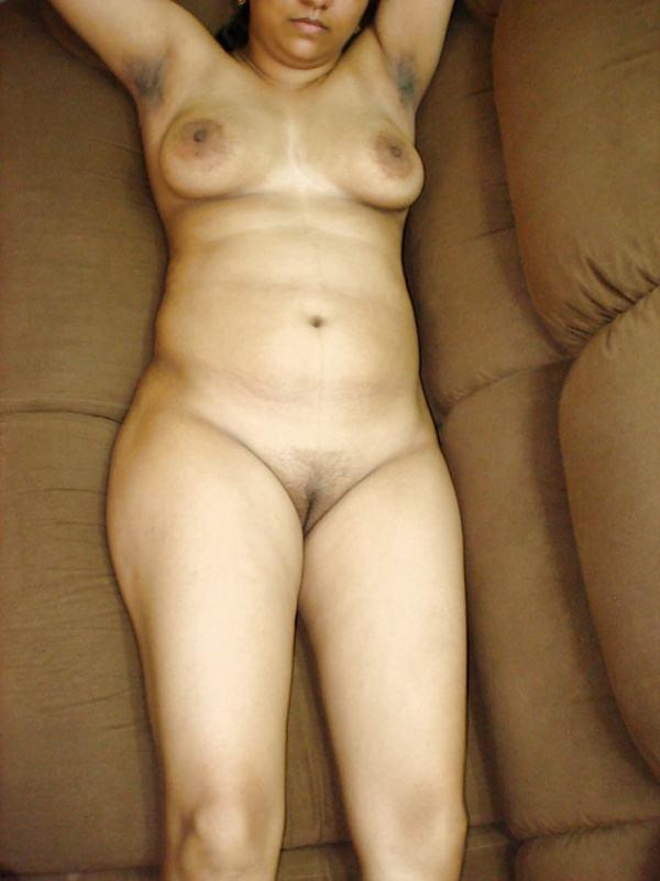 alluring indian bhabhi nude photo boobs ass - 19