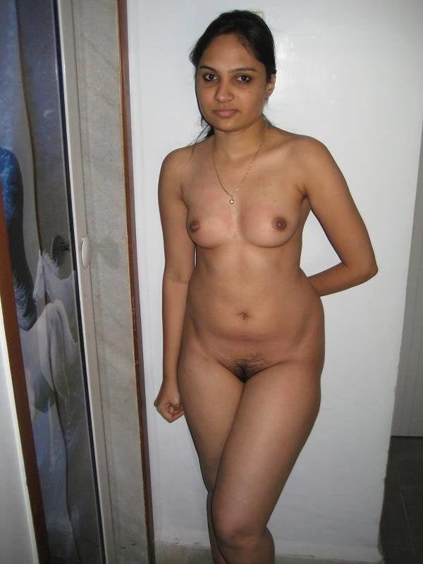 alluring indian bhabhi nude photo boobs ass - 24