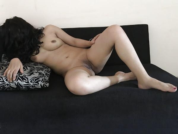alluring indian bhabhi nude photo boobs ass - 3