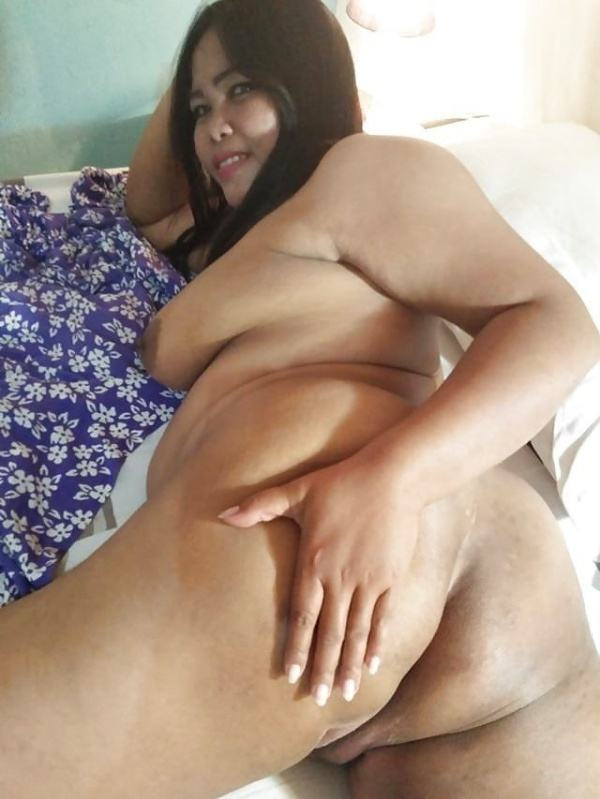 alluring milf desi aunty nude images ass pics - 12