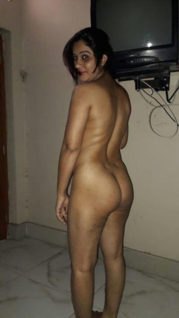 dashing desi bhabhi nude pics sexy butt juggs - 17
