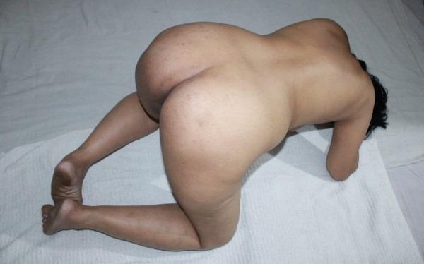 dashing desi bhabhi nude pics sexy butt juggs - 4