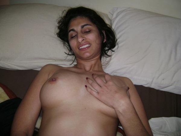 dashing desi bhabhi nude pics sexy butt juggs - 6