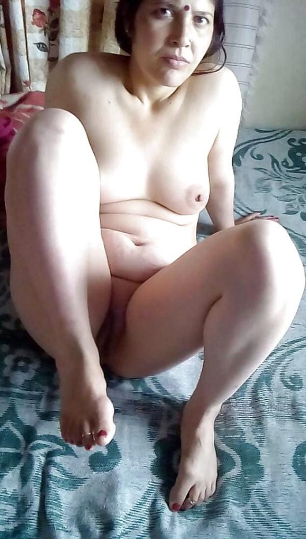 desi beautiful aunties nude xxx pics boobs ass - 11