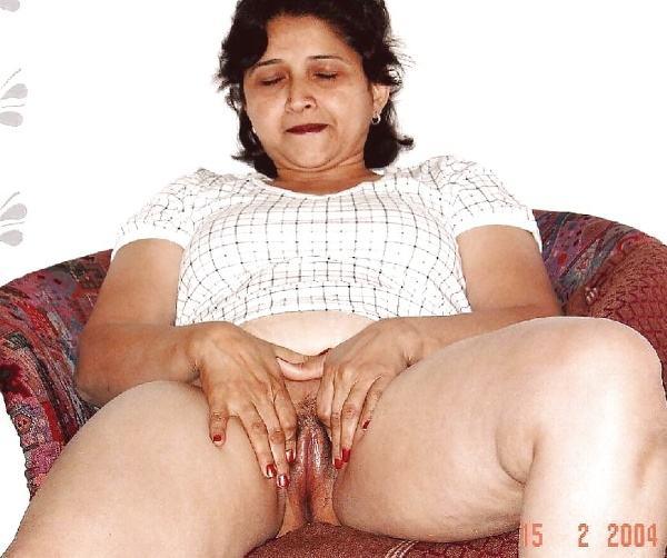 desi beautiful aunties nude xxx pics boobs ass - 2