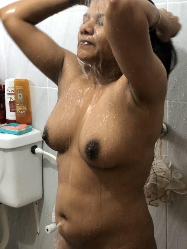 desi beautiful aunties nude xxx pics boobs ass - 32